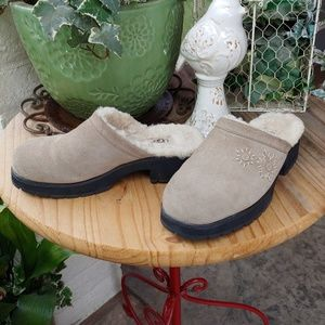 UGG CLOGS, Furr Lined Uggs of Australia, SIZE 9